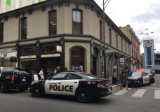 VicPD officers searching for suspects after jewelry store robbed