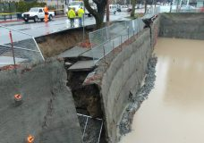 Sidewalk collapse in downtown Victoria forces street closure
