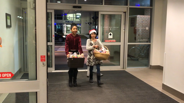 Ruby Dhongade (left) and Nicole Conn (right) entering the hospital