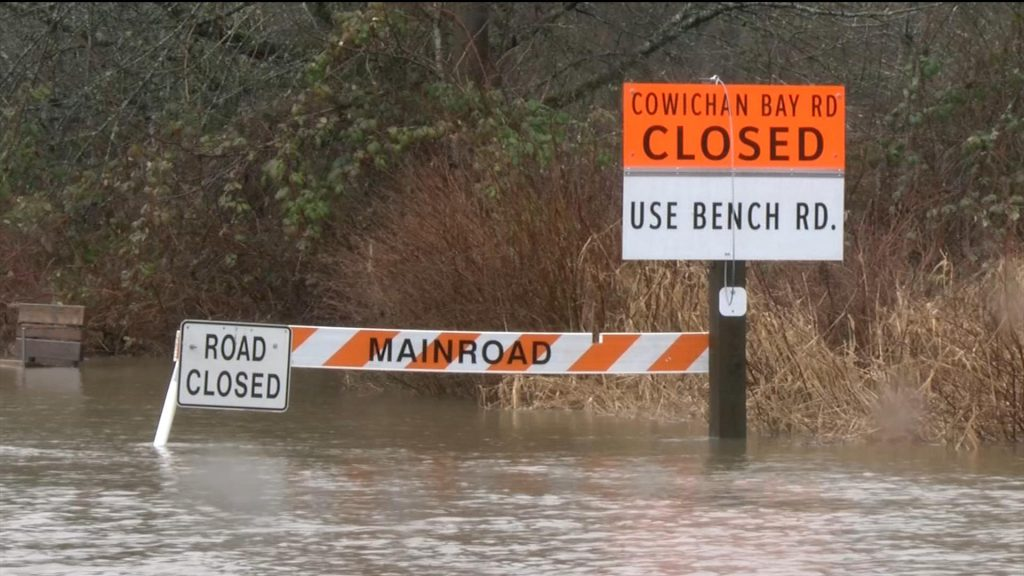 Heavy rain brings flash flooding to Cowichan Valley