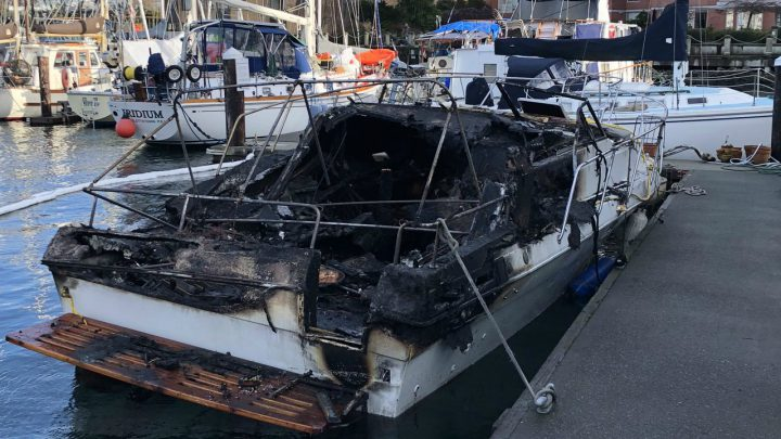 Early morning fire destroys boat at Victoria marina
