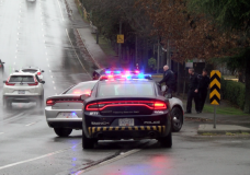 Saanich driver refuses to pull over, flees police and gets caught minutes later