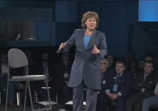 Blocking Trans Mountain is 'illegal,' says former B.C. Premier Christy Clark