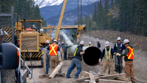 Cabinet likely to extend deadline to reconsider Trans Mountain pipeline