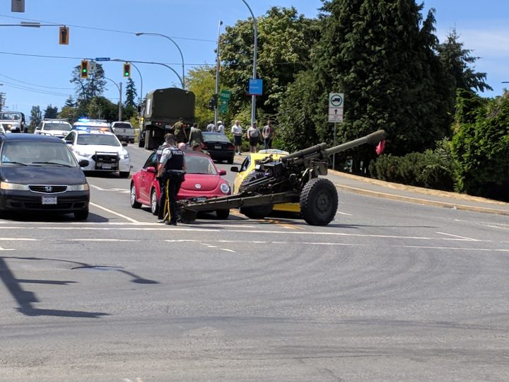Canadian forces personnel and the RCMP are on the scene after an artillery gun came loose and struck a taxi in Nanaimo (Photo: Kevin Bowles)