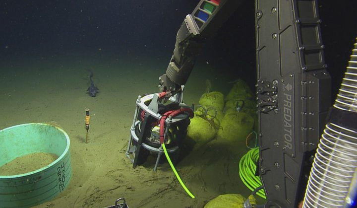 Installation complete of underwater early warning earthquake sensors off Island's coast