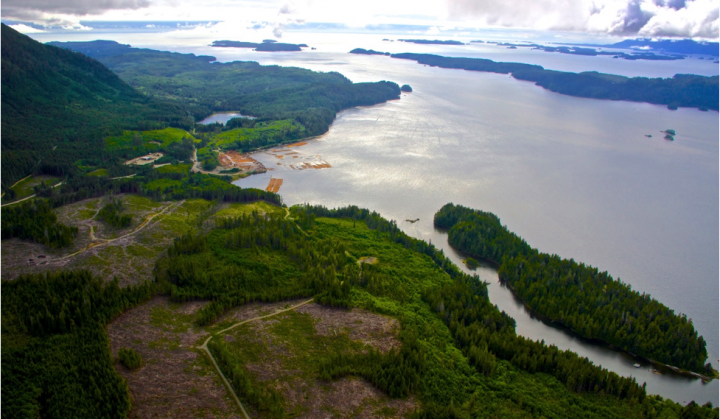 Nuumaqimyiis Bay (also known as Sarita Bay), about 10 kilometres northeast of Bamfield, the location of a proposed LNG facility site. Photo courtesy Steelhead LNG.