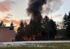 The fire is burning near Edward Milne Community School (Photo: Dani Californiia)