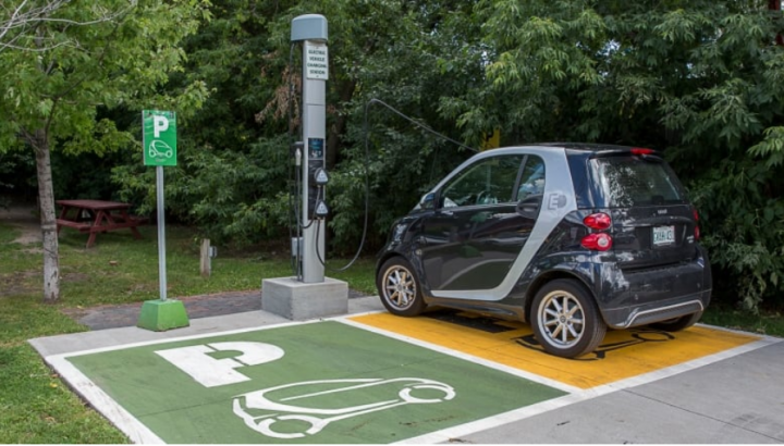 B.C. government targets 100% electric vehicle sales by 2040