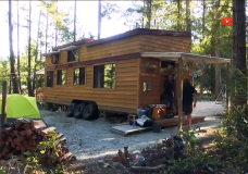 Mini and movable: 'do-it-yourself' workshop teaches you how to build your own tiny home