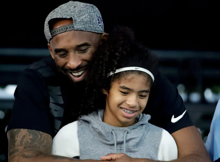 Kobe Bryant and daughter Gianna reportedly killed in helicopter crash near Los Angeles