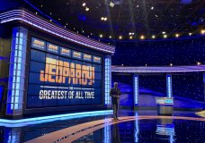 Award-winning journalists and a Super Bowl champ highlight next guest hosts on Jeopardy!