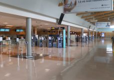 Stricter public health measures come into effect at Canadian border, airports