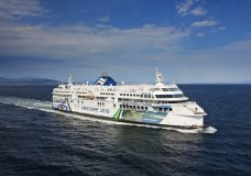 BC Ferries announces that food service will resume on select routes