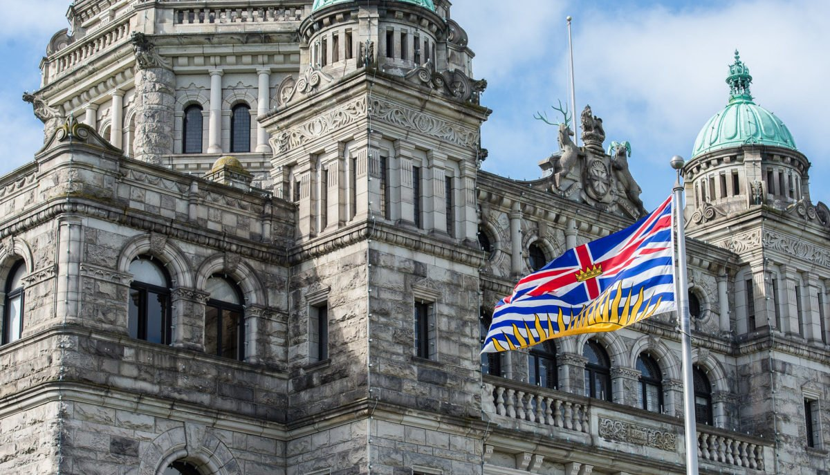 B.C. to require employers to pay workers to get COVID-19 vaccine