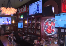 'Thank god hockey is here': NHL playoffs a boost for local bars