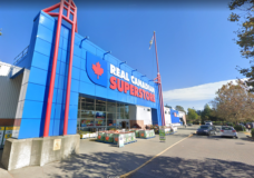 Real Canadian Superstore makes masks mandatory at all store locations