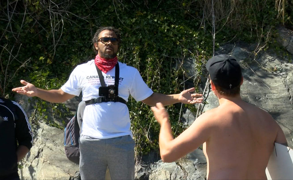 'It's trash:' Controversial pastor confronted while preaching at Victoria beach
