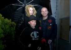 Nanaimo rallies to light up Christmas for local family as both mom and dad battle cancer