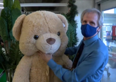 CHEK Upside: Canadian Tire manager surprises young boy with giant teddy bear