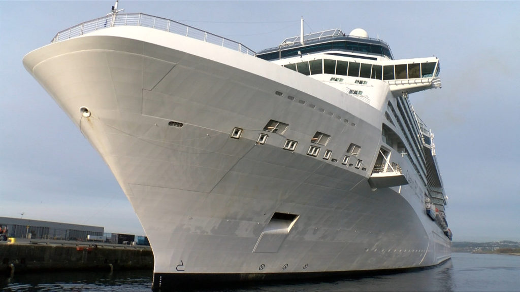 U.S. CDC extends order limiting cruise ships, rendering Alaska bill moot