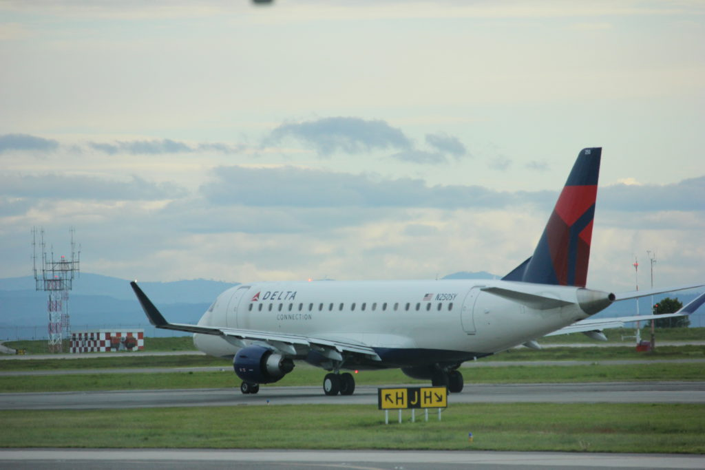 U.S. airlines offer flights to sun destinations while Canadian planes sit idle