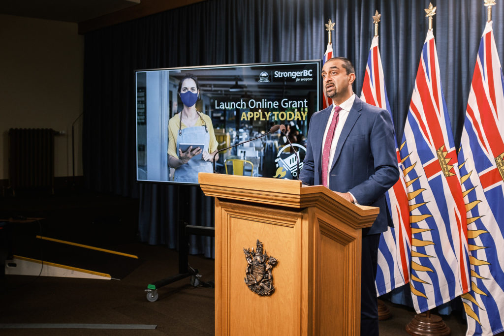 B.C. to help small businesses sell online, as grant program stalls