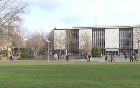 University of Victoria students self-isolating after off-campus exposure to COVID
