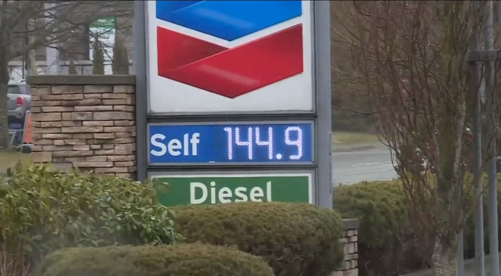 Gas prices soar across Vancouver Island, experts say it could be just the beginning