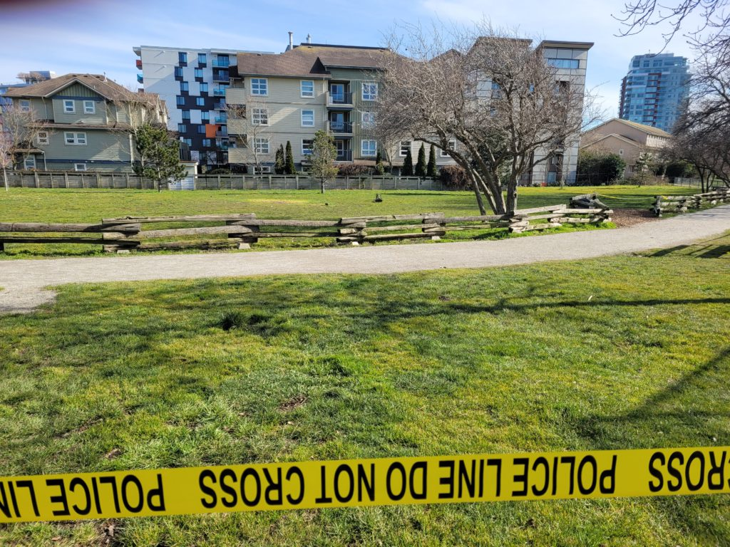 Police investigating after suspicious package with note targeting bylaw workers found at Victoria park