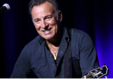 'Springsteen on Broadway' clears way for AstraZeneca recipients to attend show