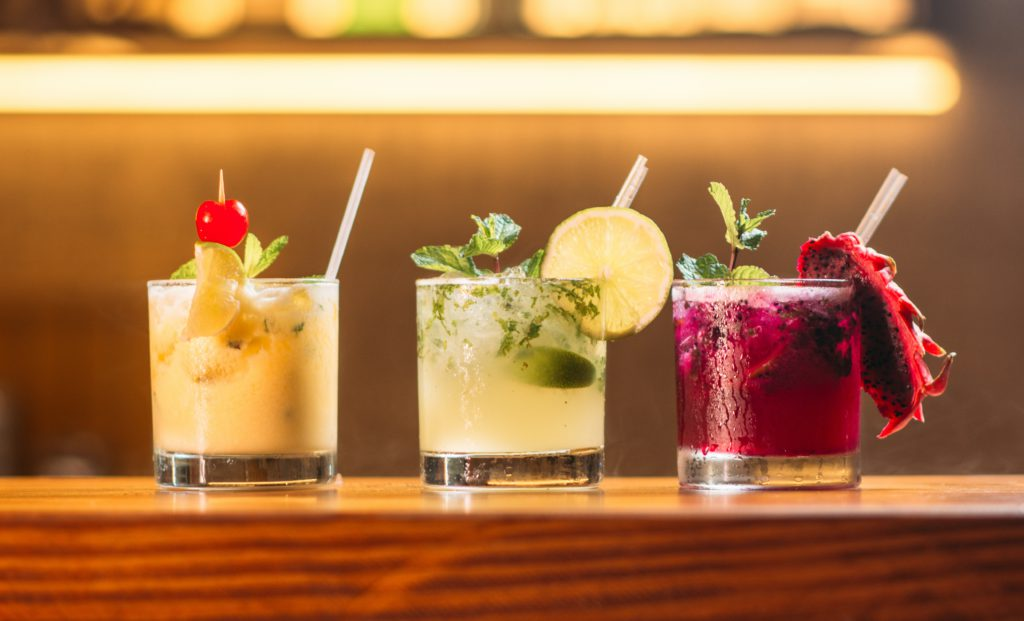 B.C. restaurants, pubs now allowed to sell and deliver cocktails-to-go
