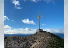 Creator of iconicMount Tzouhalemcross disappointed after vandals remove it