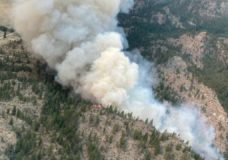 Hundreds more ordered out of their homes in B.C. by threatening wildfires