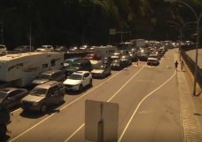 'It's insane': Overwhelming long weekend traffic brings long ferry waits, packs Vancouver Island