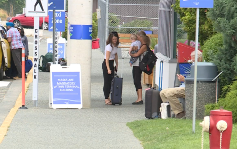 Ottawa eyes charging airport security with vaccine verification for travellers