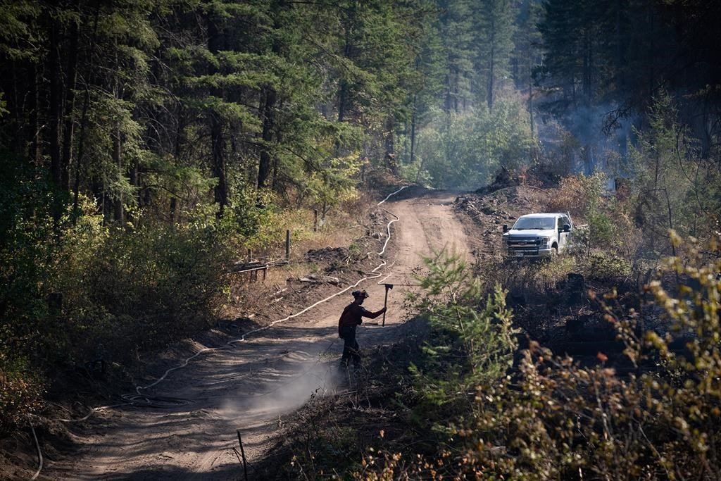 B.C. wildfires, evacuation orders continue to drop as government urges caution