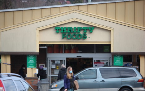 Victoria grocery store worker tests positive for COVID-19